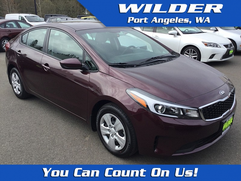 Pre-Owned 2018 Kia Forte 4d Sedan LX Auto