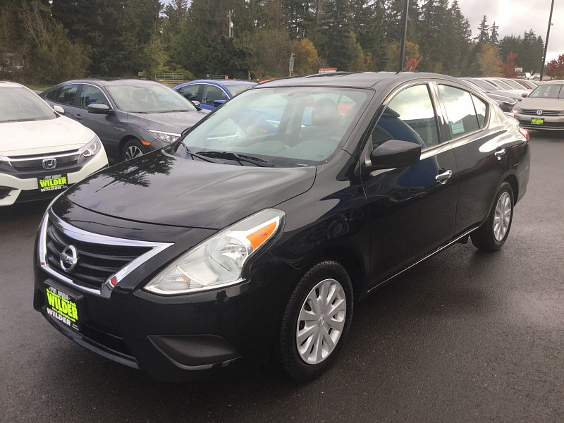 Pre-Owned 2017 Nissan Versa 4d Sedan SV