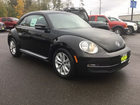 Pre-Owned 2013 Volkswagen Beetle TDI 2d Coupe 2.0L Sunrf/Sound/Nav Auto