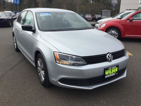 Pre-Owned 2014 Volkswagen Jetta TDI 4d Sedan Value Edition Auto